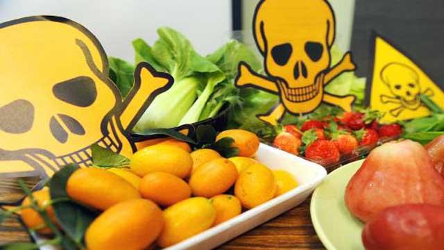 Making Natural Pesticide For Vegetables