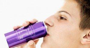 energy-drink-teenage-boy