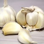 5 Powerful Reasons to Start Eating Garlic Today